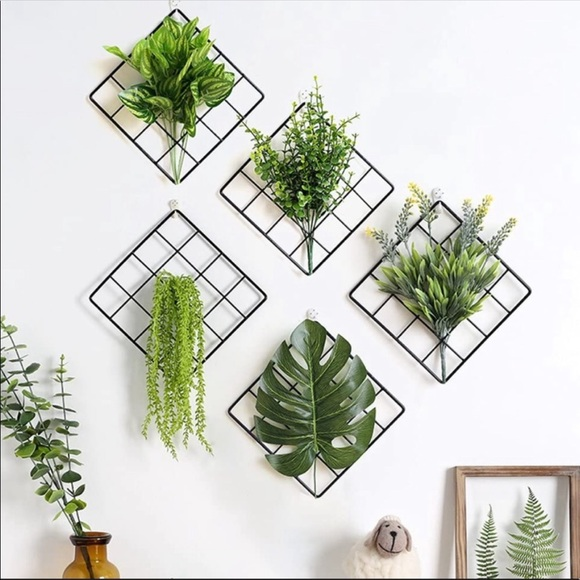 4 Square Wall Grids